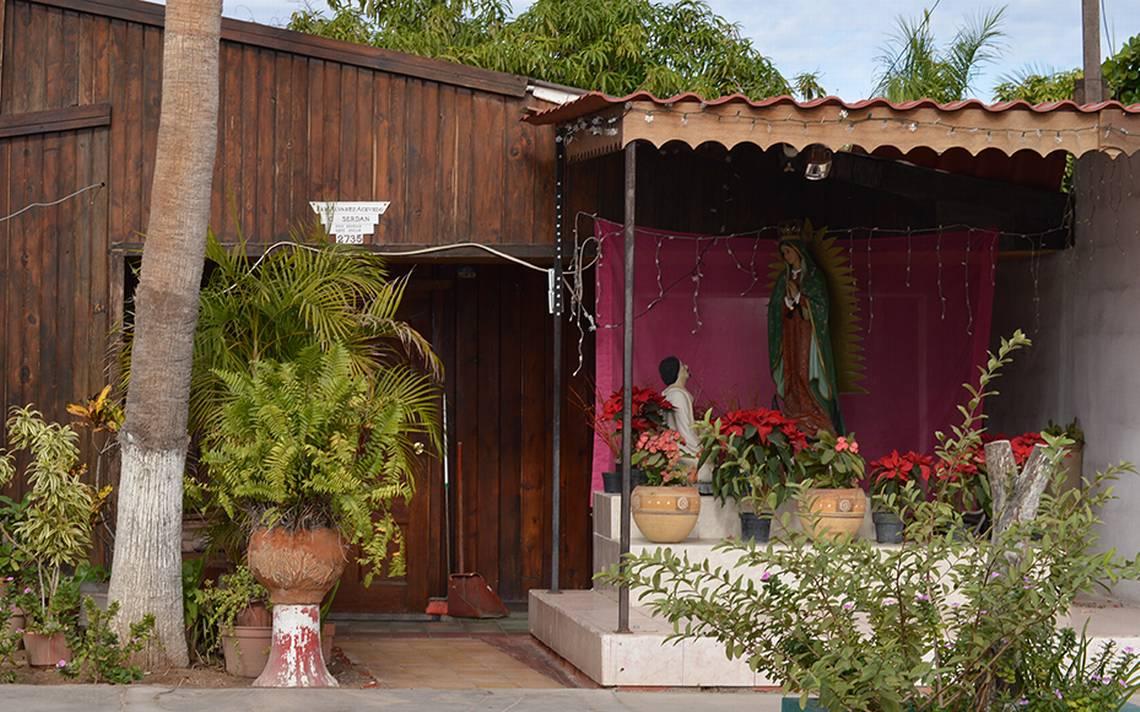 55 años de devoción a la Virgen de Guadalupe, Ramón Álvarez le construyó un  altar - El Sudcaliforniano